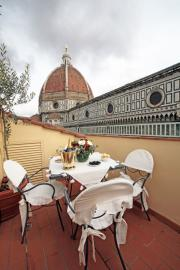 Luxury Pemhtouse with Duomo view and terrace