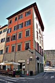 San Niccol� Rifrullo Apartment (sleeps 2+2) in the heart of the historical distr
